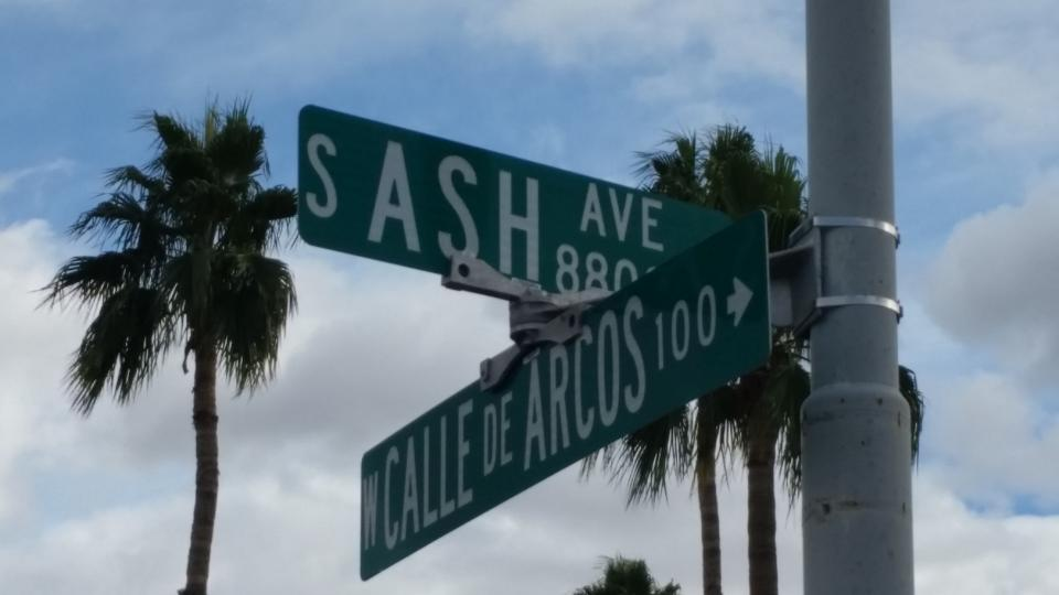 Image of South Ash street sign / Photo by Alberto Rios