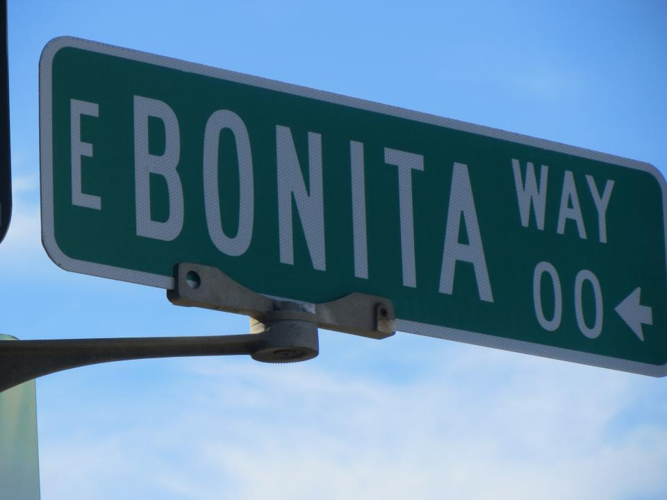 Image of East Bonita street sign / Photo by Alberto Rios