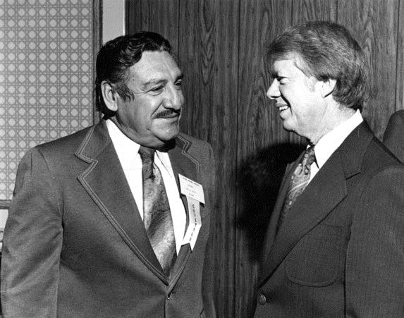 Raúl Hector Castro visits with former U.S. President Jimmy Carter in the 1970s. Photo from U of A Libraries Special Collections.